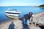 Här la vi till. En fin sandstrand att dra upp båten på.