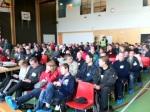 Samling i stora salen för gemensam briefing.